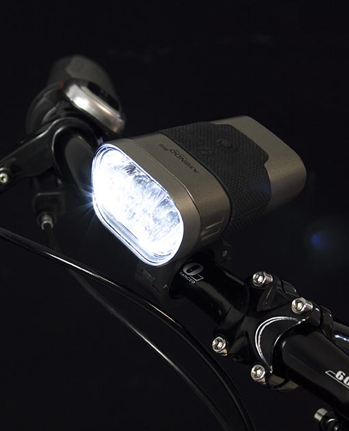 Lampa prednja AXENDO 60 Lux USB Spanninga